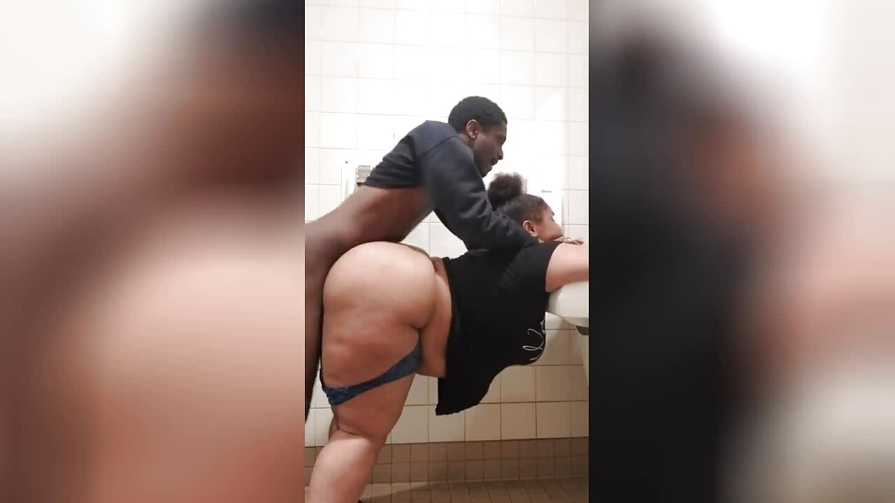 BBW fucked hard in the bathroom