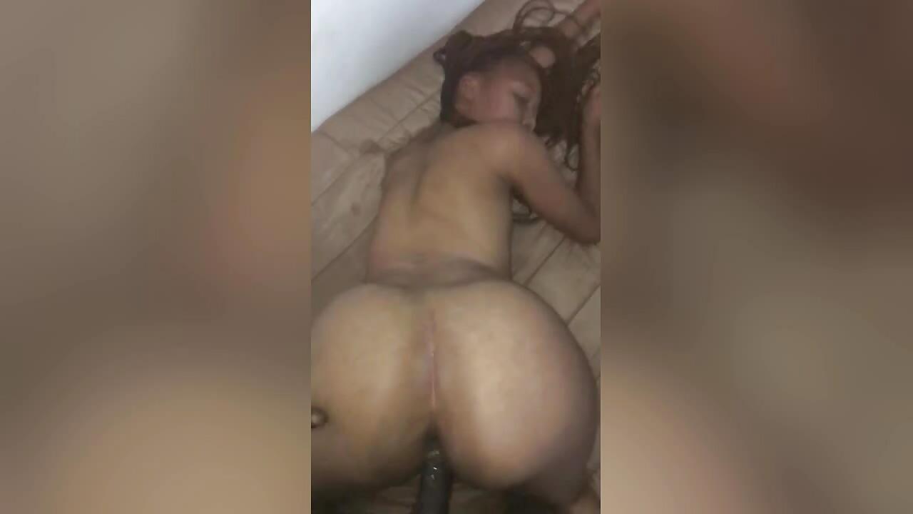 Mzansi big ass girl fucked doggy style