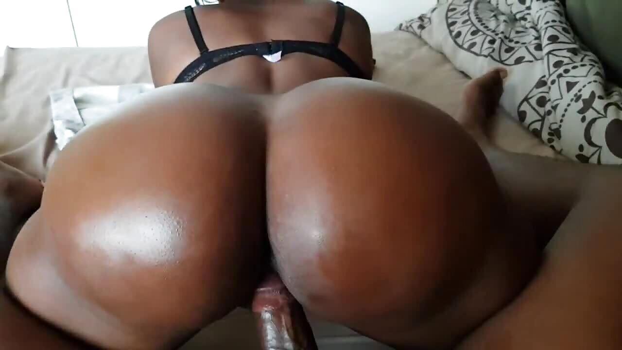 Big Mzansi Ass Reverse Cowgirl Fuck
