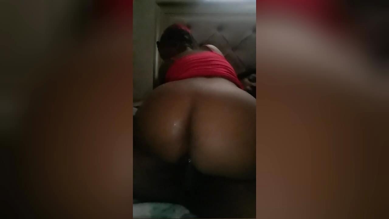 Ekasi Big Ass With Wet Creampie Pussy