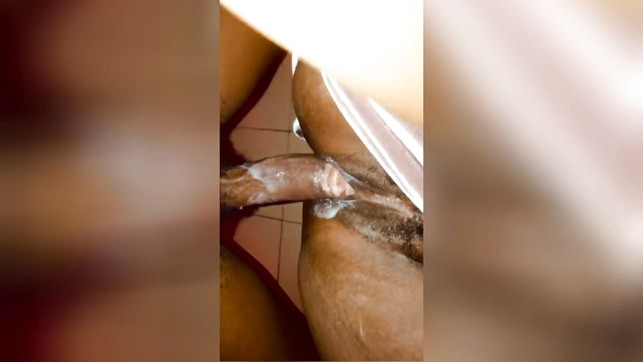 South African Milf Hairy Pussy Creampie